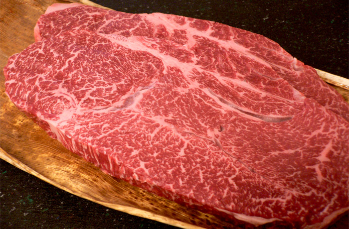 霜降り 美しさ ナンバー1神戸牛「リブロース」